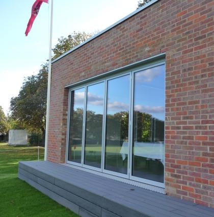 Arnold House School